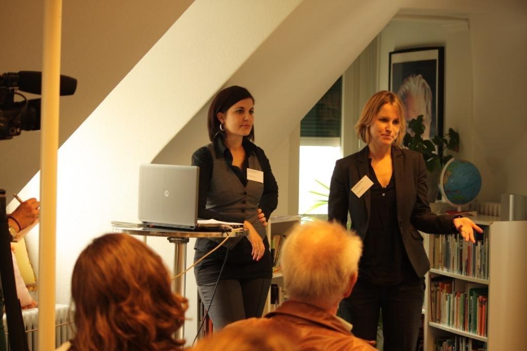 Christine Künzli und Michelle Richner Medienkonferent Tierschutzstraffälle 2012
